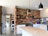 Кухня под кирпич — интересные варианты дизайна и красивые сочетания стильной кирпичной кладки